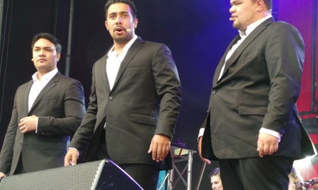 "Sole Mio – Christmas In The Vines – Concert Review ""Wonderful Heartfelt Show"""