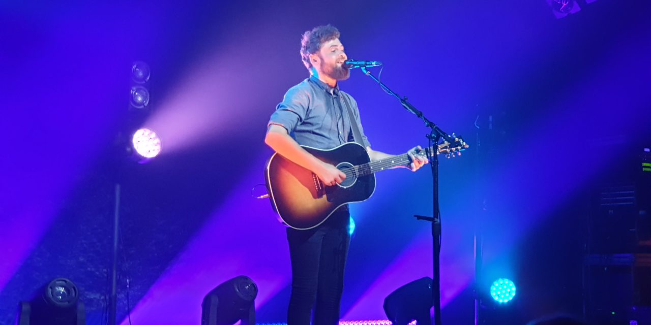 "Passenger Gig Review ""Complimentary To The End"""